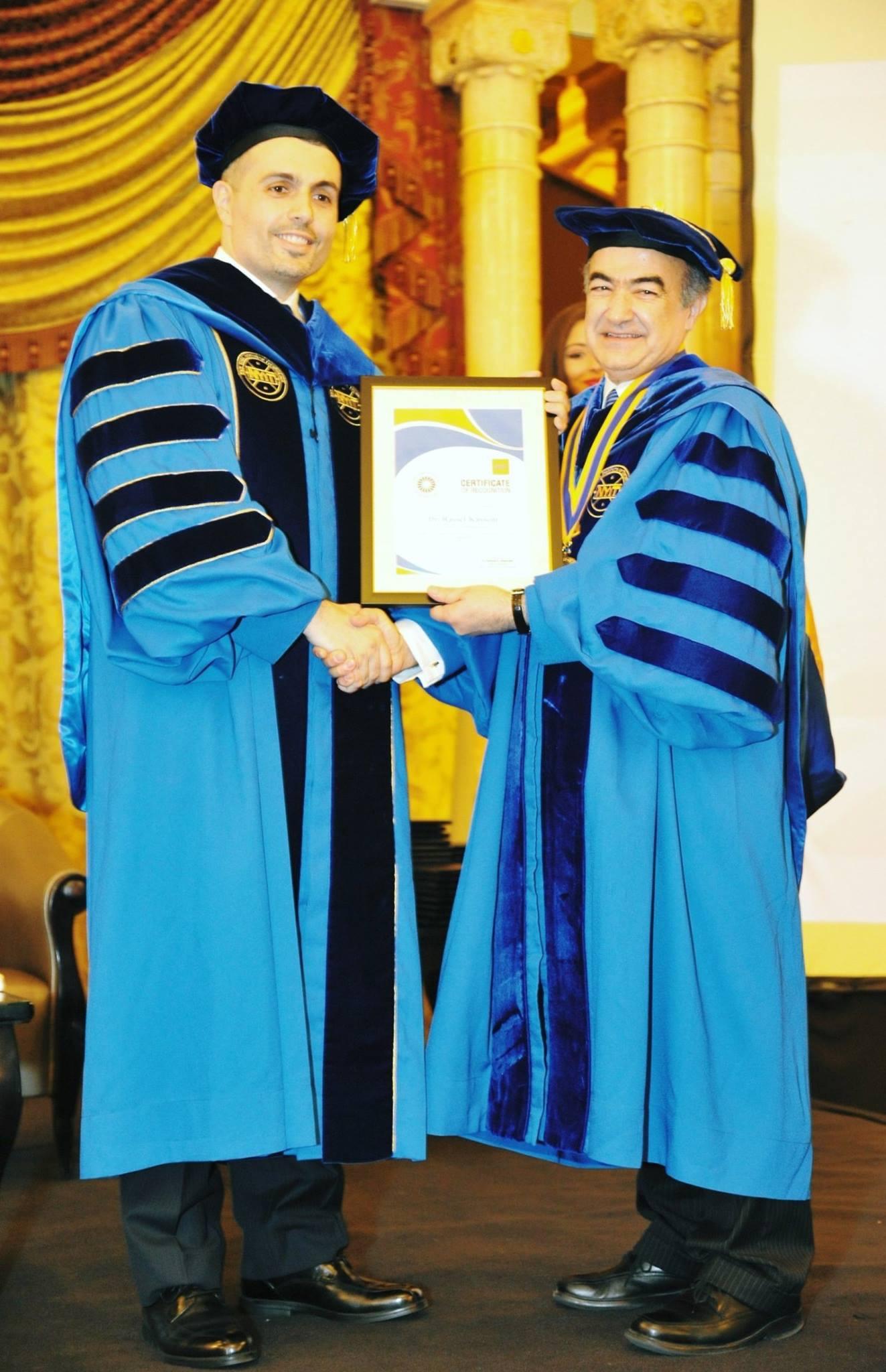 د. راسل قاسم جائزة أفضل خريج من معهد نيويورك للعلوم والتكنولوجيا